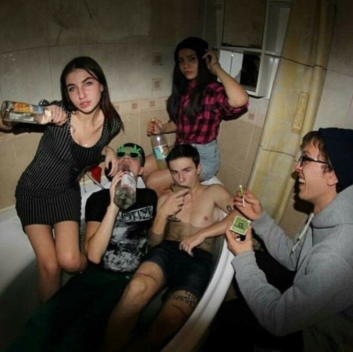 День студента кино пьянка и секс — img 2