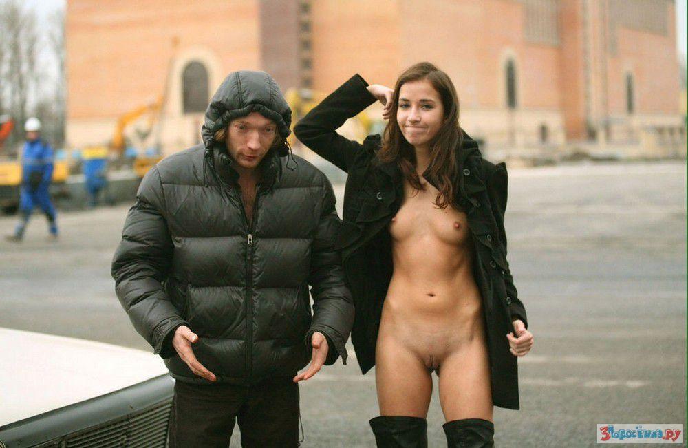 Голые девушки в общественных местах фото 62324 фотография