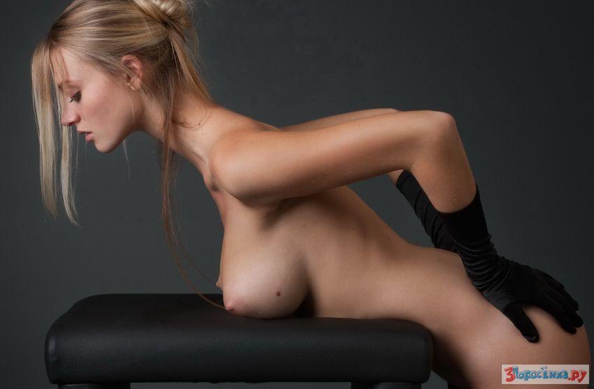 eroticheskiy-massazh-golovi-i-nog
