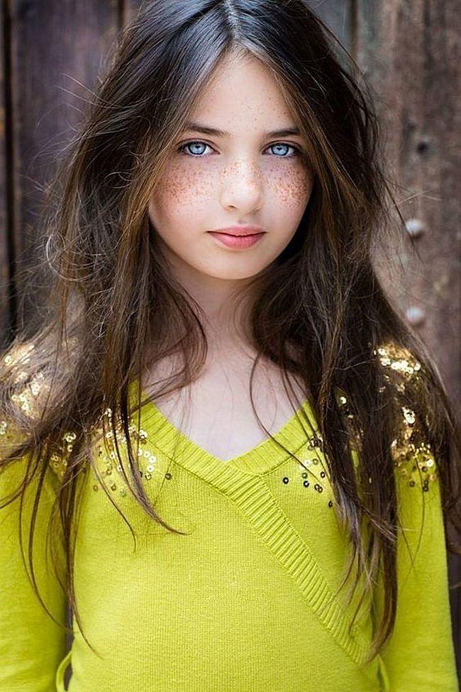 Cute teen dressed as playmatew