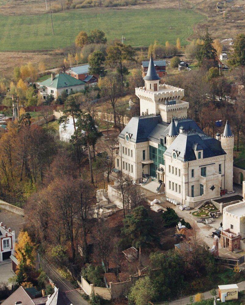 Дворец пугачевой и галкина фото