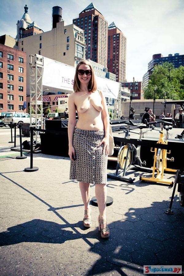 Nude girl in new york