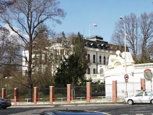 была фото российского посольства в других странах важно
