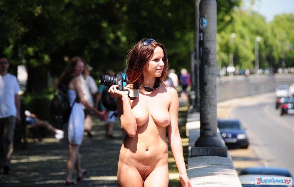 частные эротические фото на публике - 6