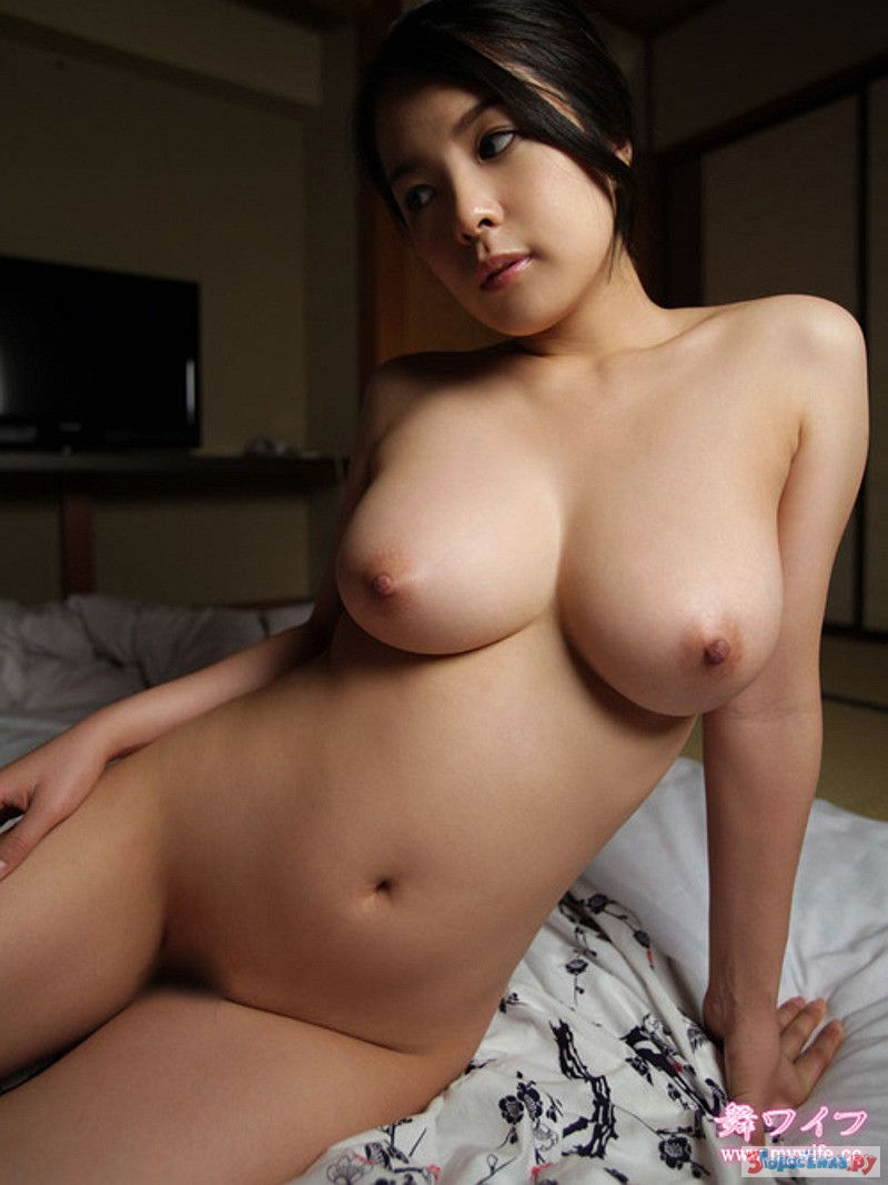 Shaniqua nude busty naked vietnamese