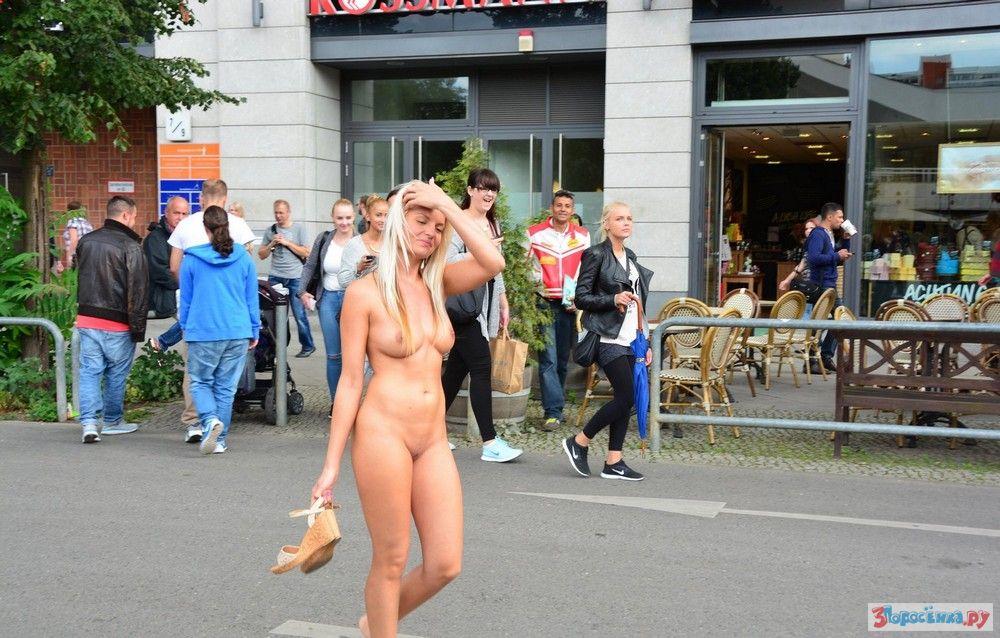 Любительское видео голых девушек в общественных местах #4