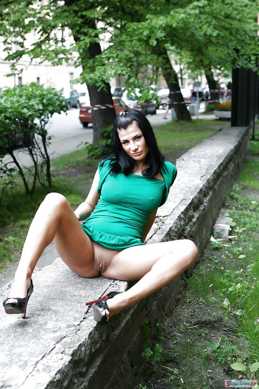 пизда на улице фото - 14
